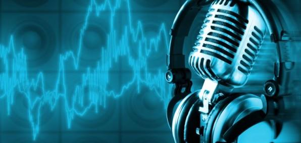 Radio microphone headphones 596x283